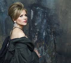 Pacific Symphony presents – An Evening with Renée Fleming – a preview